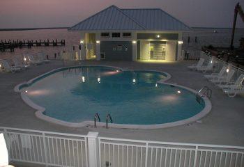 harbor-light-pool-crisfield