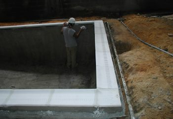 country-inn-suite-pool-coping